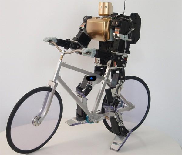 Pas encore prêt pour les Aiglons... Robot_a_bicyclette