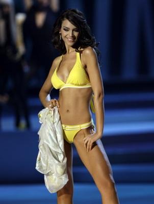 «Мисс Вселенная-2008»: американка опять упала, россиянка — в 29030114_1216152776_1216020471_0023_302x400