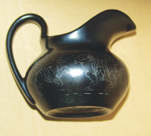 Античная ваза из старого соусника 60719403_Posle_visihaniya_fonovoy__kraski_nanosim_konturi__budushchego_risunka_karandashom_