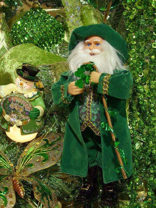 Какой он Новый год? 68470051_1293558122_irishsantaornament