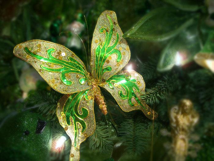 Какой он Новый год? 68470055_1293557592_butterflydecoration1