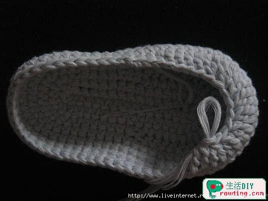 طريقة لصنع حذاء بالكروشي للاطفال 75447647_32