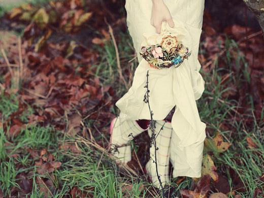 Свадебные букеты из винтажных украшений. 76389663_3437689_04fantasyfloraldesigns