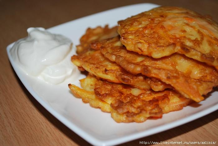 Овощные блюда 83175271_large_Oladi_iz_tuykvuy