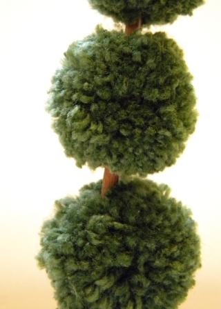 Креатив из помпонов 80576615_large_Topiary_2