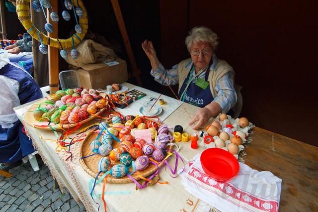 Пасхальные яйца из ткани, лент, джута.... 84857399_280810_134330