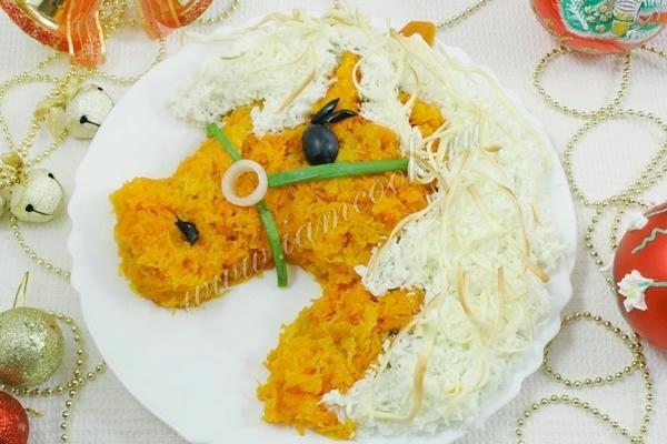 Фотоподборка оригинально оформленных новогодних салатов 108568567_3280b9be7e1cd879c4cb241d6d711ac9