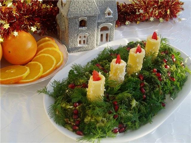 Фотоподборка оригинально оформленных новогодних салатов 108568573_93433811_large_Novogodnee_ukrashenie_blyud
