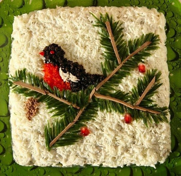 Фотоподборка оригинально оформленных новогодних салатов 108568593_uTiS62cYvzc