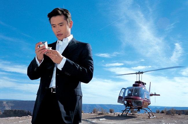 Lee Byung Hun / Ли Бен Хон не пьет одеколон  - Страница 2 F_865396