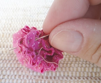 Ещё один вариант розы из ткани 3658375_7