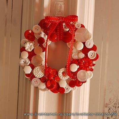Поделки из пуговиц 4372487_wreath_light