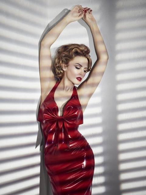 Kylie photos > candids, shoots, eventos... - Página 20 19035511772fac61e04e0c7f276514b2c79077e6