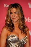 Jennifer Aniston - Minigonnissima & Cleavage/One -Women In Film Crystal And Lucy Awards- 12 giu 09 Th_78433_Jennifer_388_122_11lo