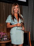 Beyonce -Cleavage, Billboard's 4th Annual Women In Music, New York, 02ott09 Th_32035_Beyonce_Billboard00s_4th_Annual_Women_In_Music_NYC_021009_025_122_139lo