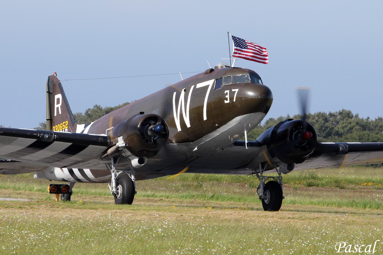 """Douglas C-47A N345AB """"W 7"""" à Rennes le 09 juin 2014 Cms-12-copie-45f8cac"""