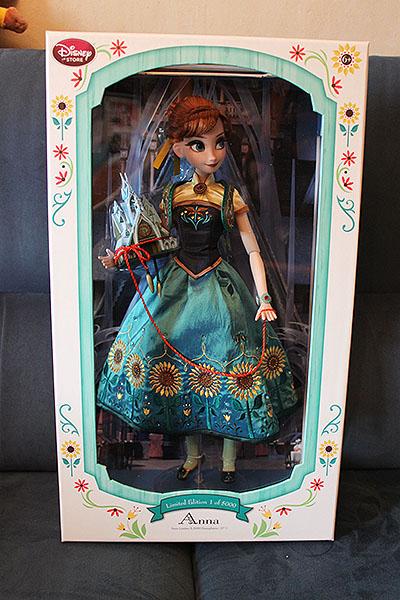 Disney Store Poupées Limited Edition 17'' (depuis 2009) - Page 39 Img_9775-4d5b54c