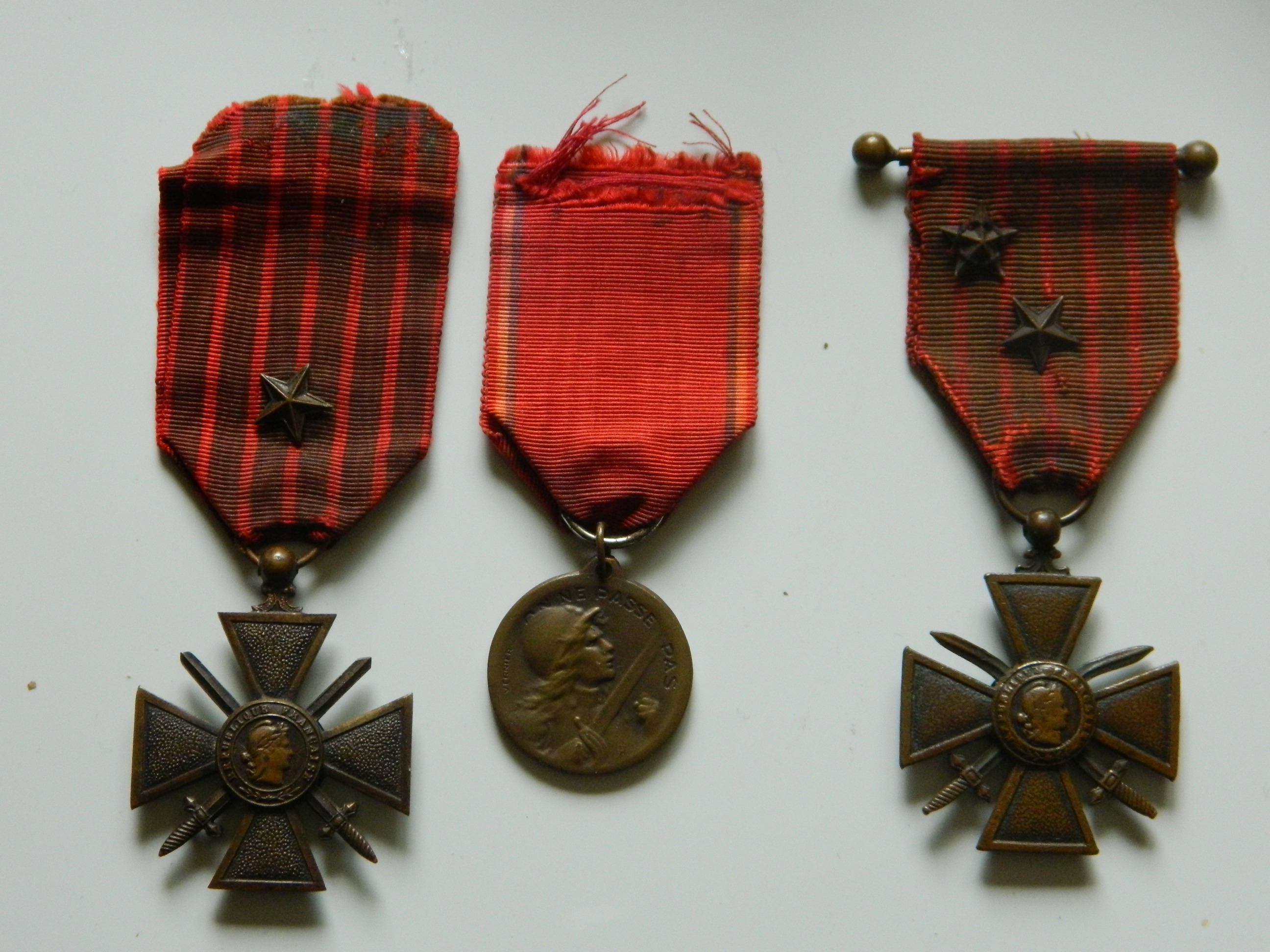 Identification médailles (F) Arri-re-g.p-003-5628e39