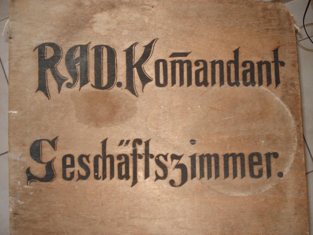 panneau en bois du RAD 008-55c52a1
