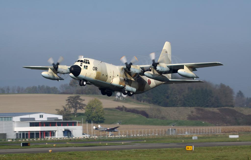 FRA: Photos d'avions de transport - Page 20 Img_0141-486044f