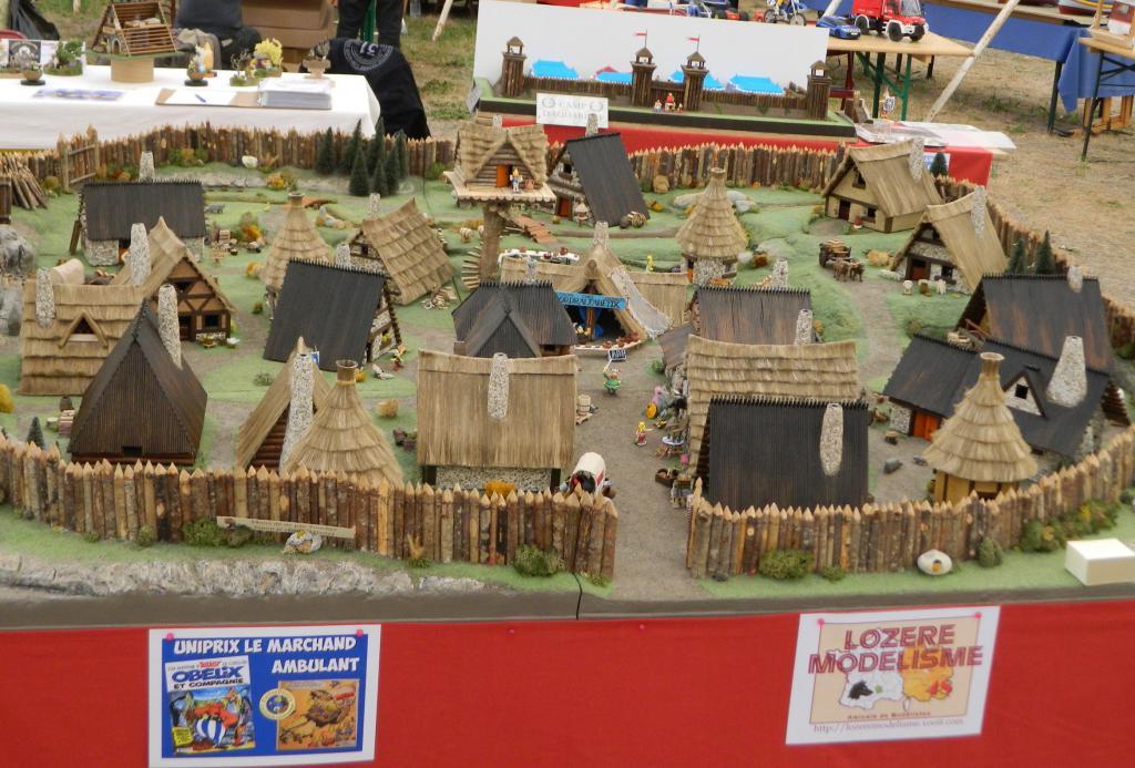 Le Village d'Astérix le Gaulois en maquette au 1/40 - Page 17 Dscn12037b-4bbeb88