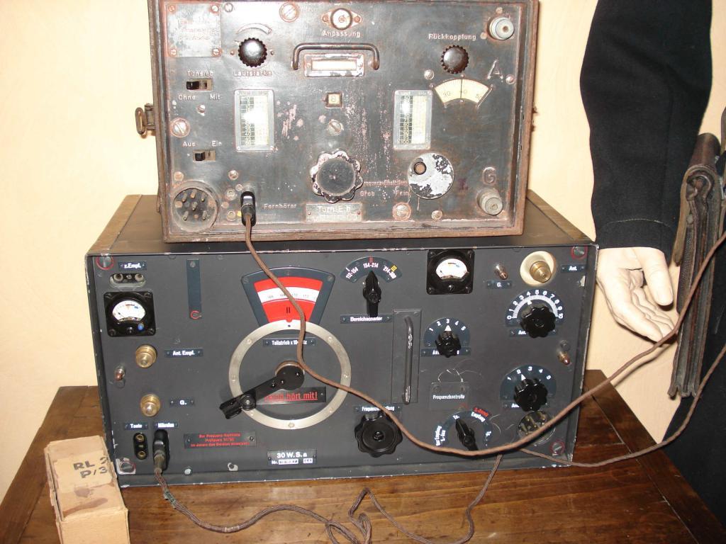 Panzer reco avec son matériel radio. 002-5263e9e
