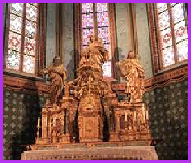 Pourquoi y-a-t'il Douze Apôtres mais seulement quatre Evangélistes? Eglise_or-4c08434