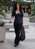 Kim Kardashian, Cleavy, Candids a Los Angeles, 06.01.2010 Th_17315__Everly_Kardashian_Ladies_2_122_176lo