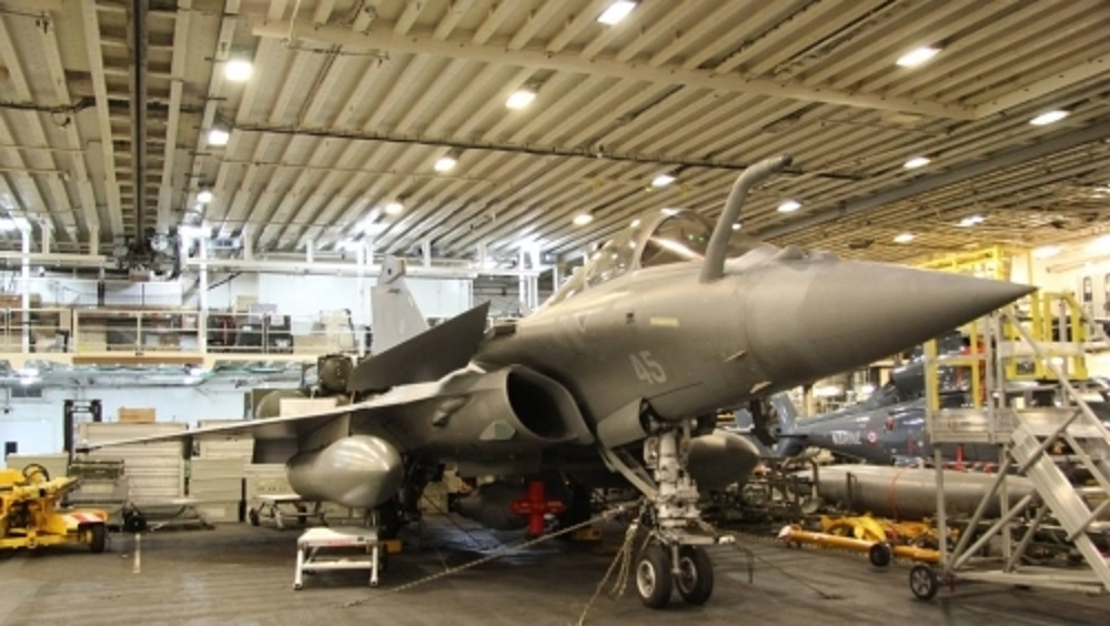 Un mastodonte de 75 000 tonnes pour remplacer le porte-avions Charles-de-Gaulle Pang-2-57f1689