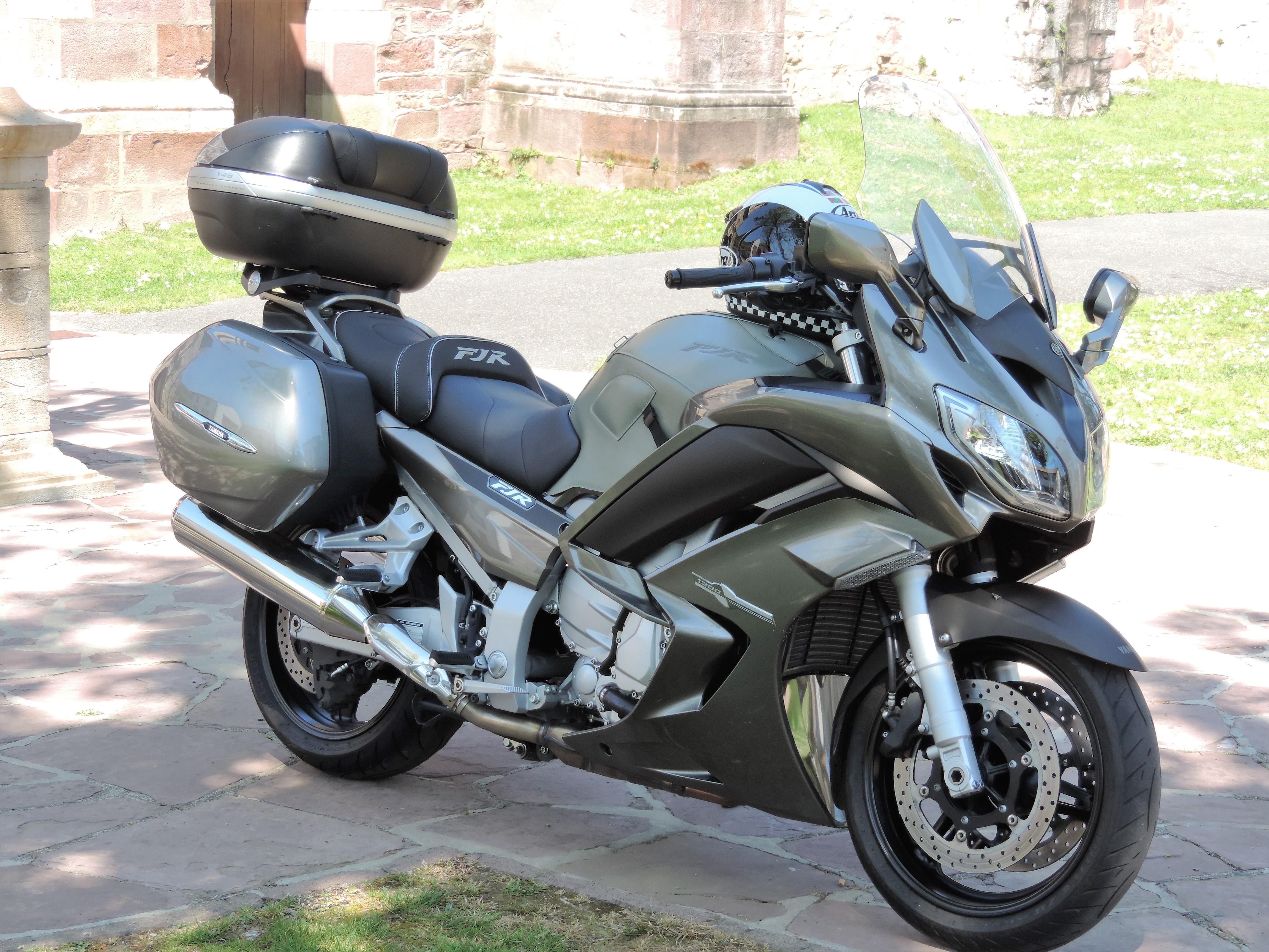 vos motos avant la FJR? 8-5734342