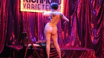 Naked  Performance Art - Full Original Collections - Page 5 Jtip38pjebwv