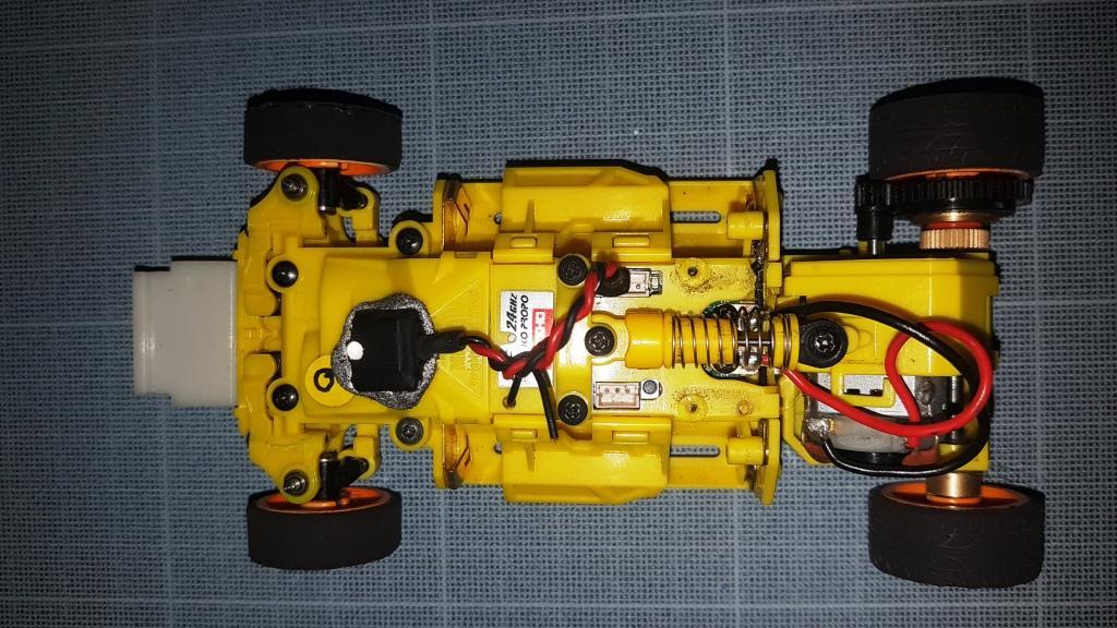 Pièces MR03 Châssis jaunes 2020-05-01-15.20.33-5754d7b
