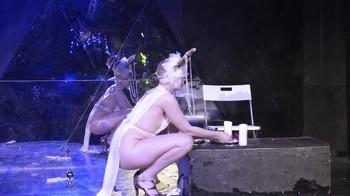 Celebrity Content - Naked On Stage - Page 4 Rjvfihfe1ocj