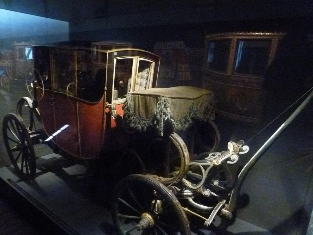 La Galerie des Carrosses de Versailles, grande écurie du roi P1060339-572915b