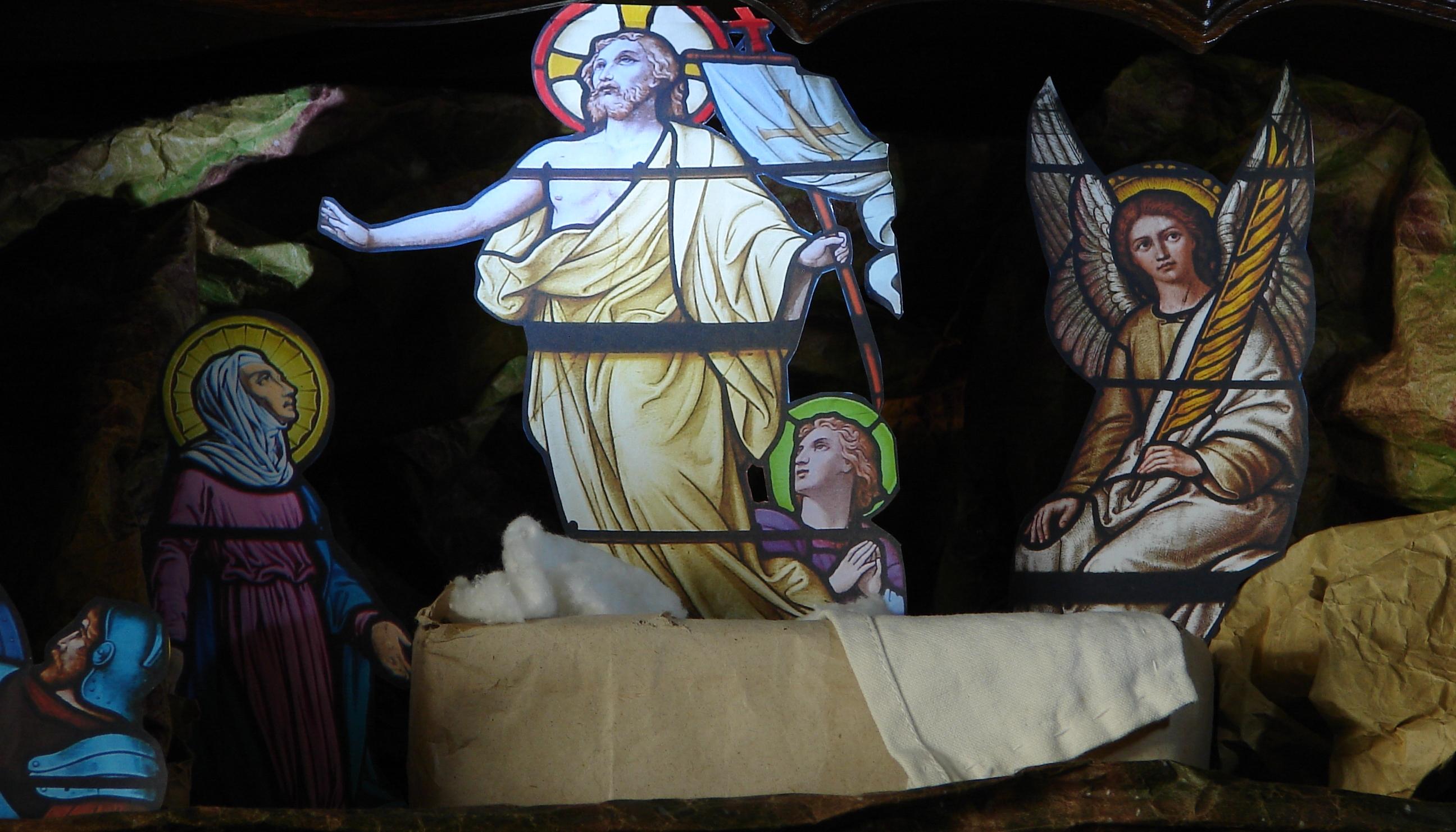 CALENDRIER CATHOLIQUE 2020 (Cantiques, Prières & Images) - Page 11 La-r-surrection-monument--5745071