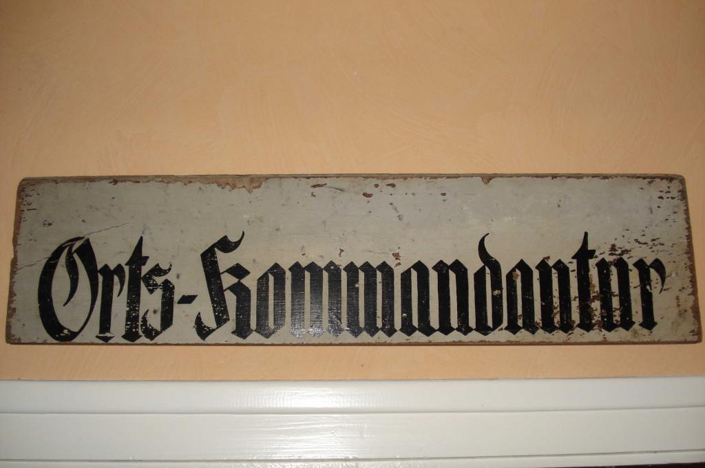 Panneau indicateur et sac allemand ww2 Panneau-585067b