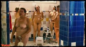 Michelle Williams, Sarah Silverman in Take This Waltz (2011) 2xa21pj440go