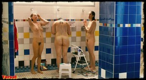 Michelle Williams, Sarah Silverman in Take This Waltz (2011) Wbwrmo4nx8ng