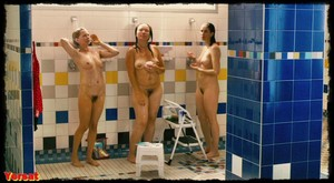 Michelle Williams, Sarah Silverman in Take This Waltz (2011) Wd665fydcxwu