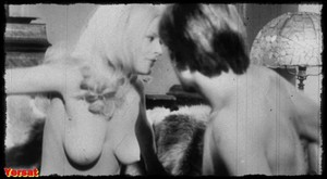 Silvana Venturelli & Erika Remberg  in The Lickerish Quartet (1970) H46oqjd2kxd5