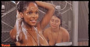 Dina Meyer  in Starship Troopers (1997) 9mkiuxy570tu