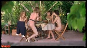 Kim Cattrall & Others  Live Nude Girls (1995) 6xijtjvp1oc3