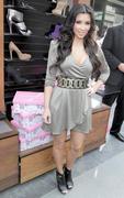Kim Kardashian, Cleavy, ShoeDazzle at Century City Shopping Mall, 29gennaio2010 Th_15391_k8_122_492lo