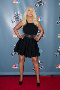 [Fotos+Videos] Christina Aguilera en la Premier de la 4ta Temporada de The Voice 2013 - Página 4 Th_986057658_Christina_Aguilera_67_122_538lo