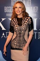 Kylie Minogue >> Noticias y rumores - Página 3 Th_447017646_cf746f27_115279116_8p_122_212lo