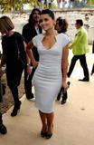 Nelly Furtado - Cleavy, Elie Saab Fashion Show, Parigi, 07ott09 Th_46741_Nelly_Furtado_Elie_Saab_Fashion_Show_Paris_FW_071009_002_122_176lo