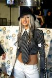 [Fotos] Christina - MTV Europe Music Awards 2002. Th_36380_mtv_emas_arrival_1095854037_123_898lo
