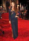 Selena Gomez - 2013 MTV Video Music Awards at the Barclays Center in New York  25-08-2013  10x Th_94082_MCFan_for_Celeblounge26_08_201307_18_03_122_559lo