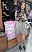 Kim Kardashian, Cleavy, ShoeDazzle at Century City Shopping Mall, 29gennaio2010 Th_15405_kk_122_209lo