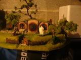 diorama Isengard et maison hobbit LOTR Th_11285_m2_123_553lo